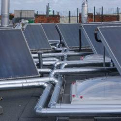 Kollektoranlage Flachdach für 45 Wohnungen